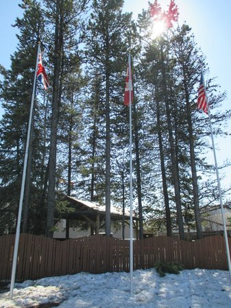 Dease Lake, Canada : Welcome to all nationalities