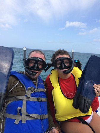 Island Vibes Tours: Two types of flotation devices available for snorkeling
