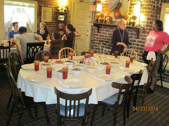 Mrs Wilkes Dining Room Savannah, Mrs Wilkes Dining Room Savannah Ga