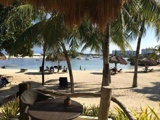 Bluewater Maribago Beach Resort: Room view