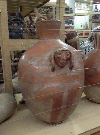 Casinelli Museum (Museo Arqueológico Casinelli) : Huari, I believe...