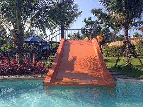 Holiday Inn Resort Krabi Ao Nang Beach: Water slide