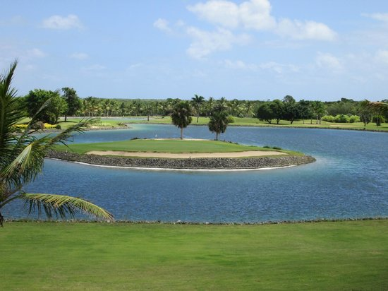 Catalonia Royal Bavaro : 18 hole golf course