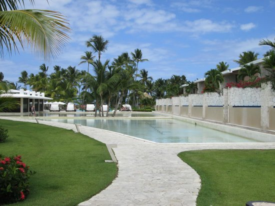 Catalonia Royal Bavaro : Cata Tapa on left - Rooms with private pools on the right.