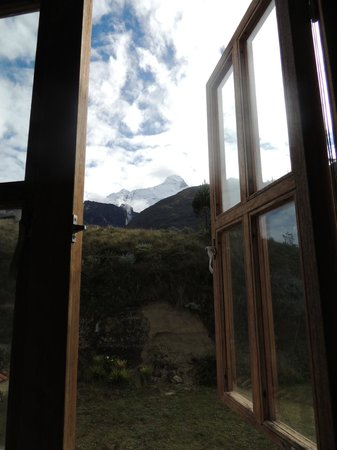 Llanganuco Mountain Lodge: view from bathroom!!