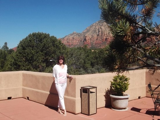 Best Western Plus Inn of Sedona : shared patio off of our room