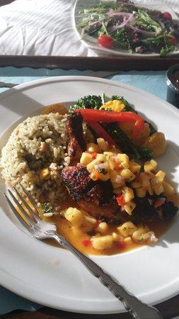Hilton Melbourne Rialto Place : anniversary meal (room service)
