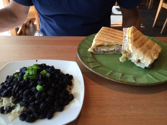 Tipico Cafe: Cuban on great bread!