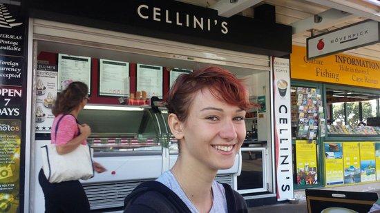 Cellini's Ice Cream and Espresso: Sunday morning at Cellini's Paihia
