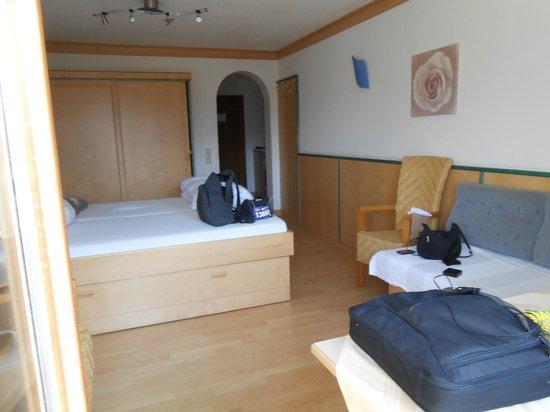 Familiyhotel Bad Neunbrunnen am Waldsee: ruime kamer