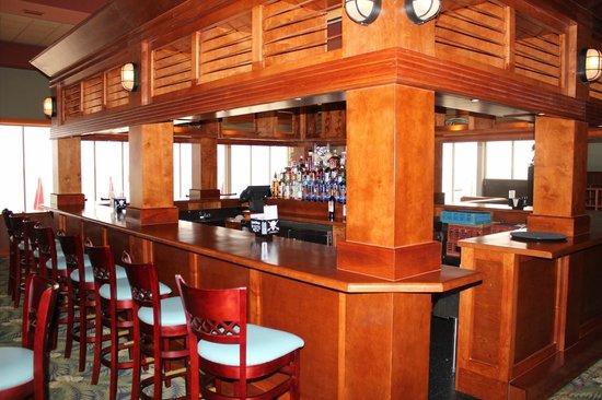 Breakers Restaurant Huge Bar Area