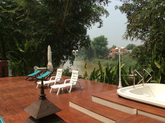 Tonnam Homestay: Terrasse en bordure de rivière