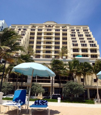 The Atlantic Hotel & Spa : Laying on the beach looking back at The Atlantic