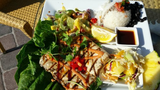 Fat Kahuna's Beach Side Grille: Grilled Mahi Mahi