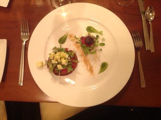 Truffles Bistro: tomato salad