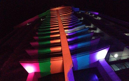 Hard Rock Hotel Panama Megapolis : Hard Rock varias Tomas de Noche.