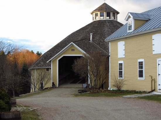 The Inn at Round Barn Farm: The Barn