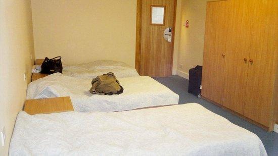 Lancaster Hall Hotel: 3-er Zimmer