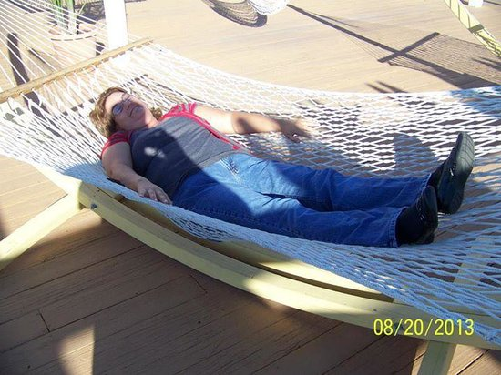 Aqua Beach Resort: me relaxing on the hamocks on the 5th floor