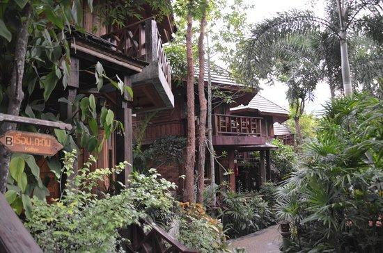 Phu Pha Ao Nang Resort and Spa: jardin
