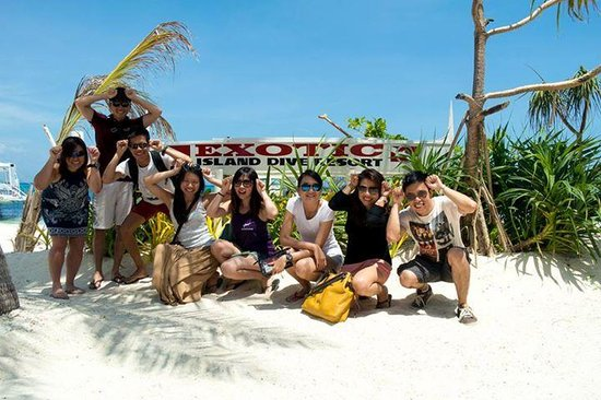 Malapascua Exotic Diving Center : Group Pic at Exotic