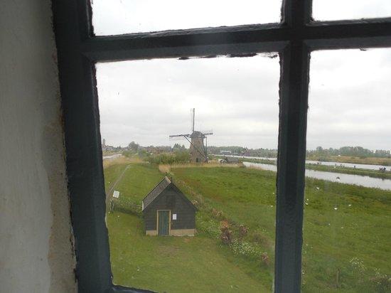 Réseau de moulins de Kinderdijk-Elshout : View out mill window