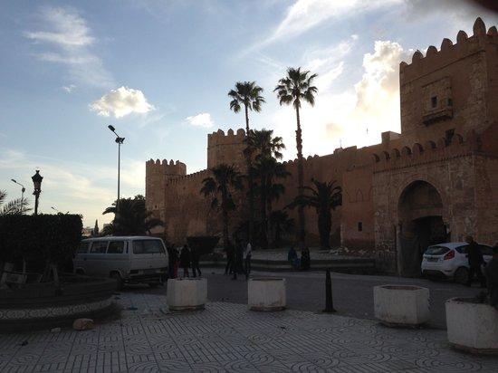 Medina : 夕暮れ時