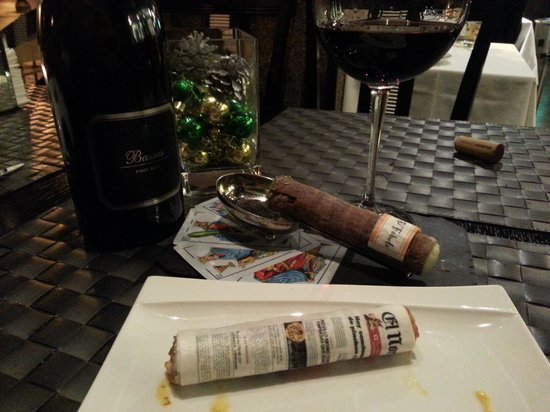 D'Fabula: These are edible tapas..not a cigar and paper!