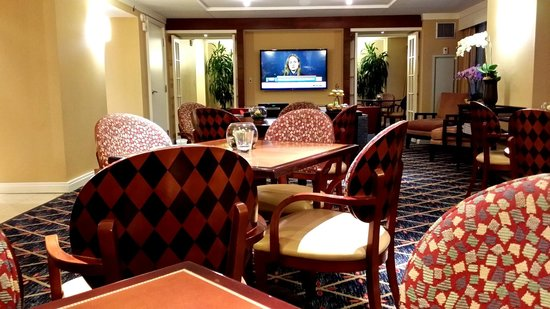 Hilton Virginia Beach Oceanfront: Empyrean Lounge