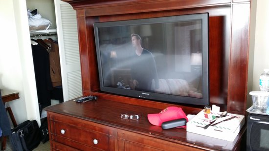 Hilton Virginia Beach Oceanfront: TV