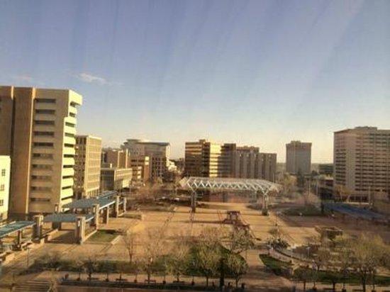 Hyatt Regency Albuquerque : The empty Plaza