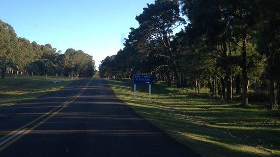 Fundacion Pablo Atchugarry: Ruta 104, llegada al Parque de Esculturas