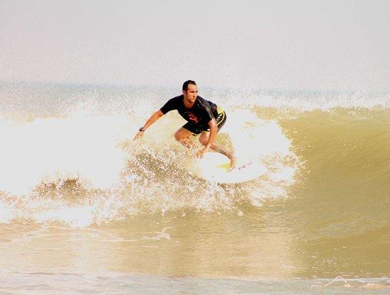 Surfcamp Guanico: Una Ola Perfecta