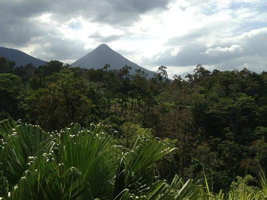 Princesa de la Luna Eco Lodge: View of Arenal volcano from the porch