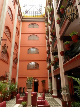Best Western Hotel Majestic : Courtyard above the Lobby