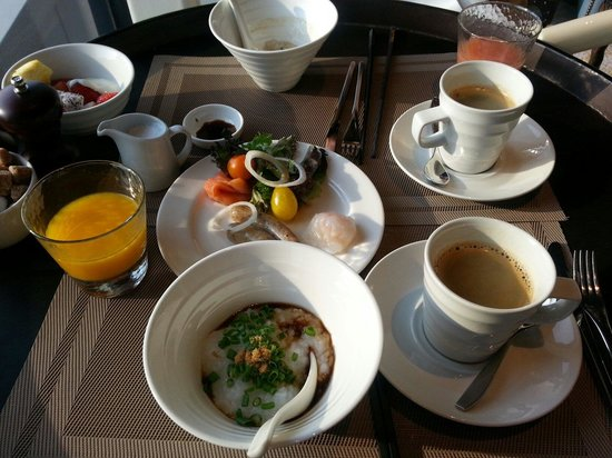 Pan Pacific Singapore: 38階での朝食