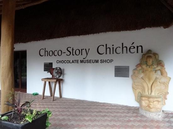Hotel & Bungalows Mayaland : chocolate store on site!!!!
