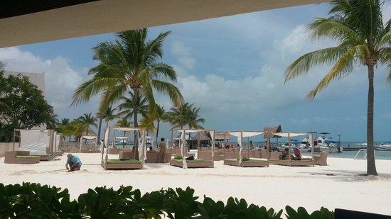 Ocean Spa Hotel: Preciosa playa para descansar y nadar.