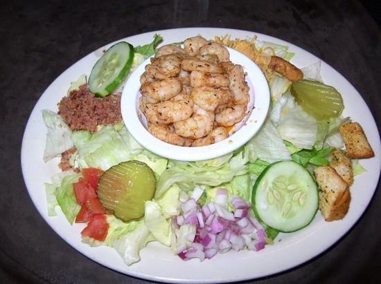 R and R Seafood: Grilled Shrimp Salad