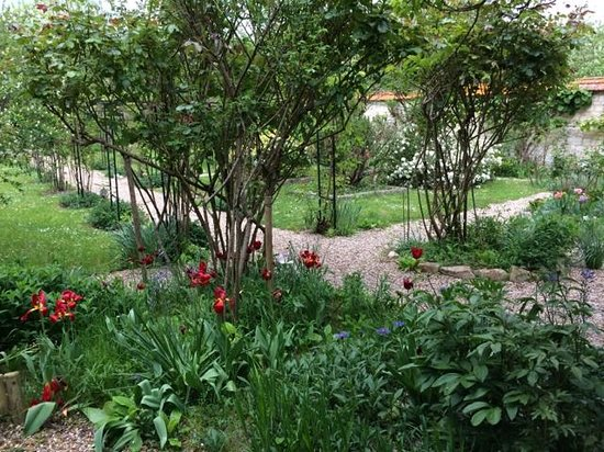 Les Jardins d'Helene: Beautiful gardens