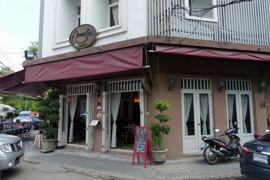 Arom d Hostel near Wat Po