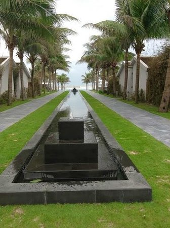 Fusion Maia Da Nang : The Walk from our Room
