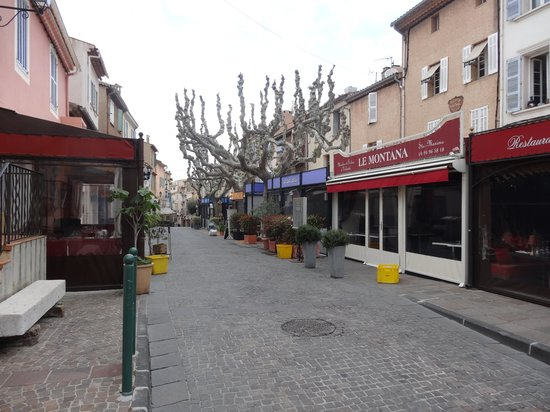 Hotel Royal Bon Repos: Many great restaurants in easy walking distance.