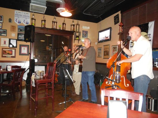 Boulder Dam Brewing Company: Blue Grass Band