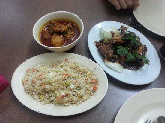 Nancy's Kitchen Restaurant : Chicken Candlenut, Chicken in Tamarind (also available in pork) & Fried Rice