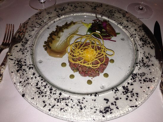 Le Gavroche : Steak Tartare impossible to look good?!!?