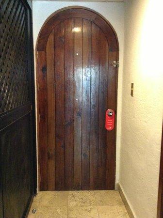 Hacienda Buenaventura Hotel & Mexican Charm All Inclusive: La puerta no es segura, la cerradura no tenia seguro para cerrar por dentro