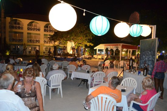 Sandals Montego Bay : The beach party