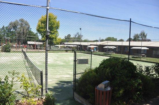 Alzburg Resort : Tennis Courts