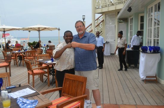 Sandals Montego Bay : The hubby with the best server EVER